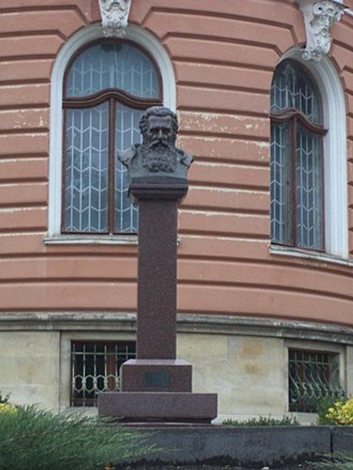 Цього дня на Полтавщині народився український митець Сергій Литвиненко_2