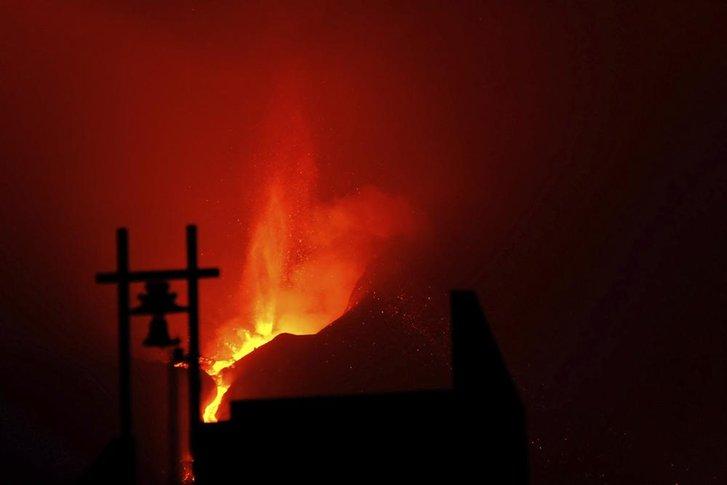 Виверження вулкану Кумбре-В'єха