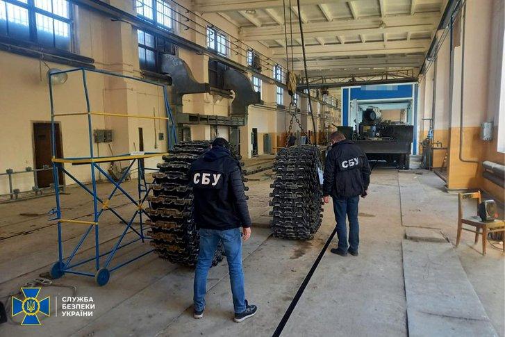 Контррозвідка викрила корупційні схеми при ремонтібронетехніки Укроборонпрому_1