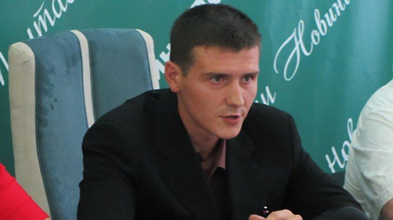 Полтавського активіста побили під час роздачі листівок