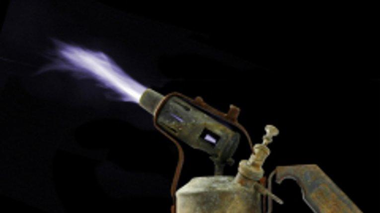Полтавець спалив себе і будинок намагаючись приготувати їжу на паяльній лампі