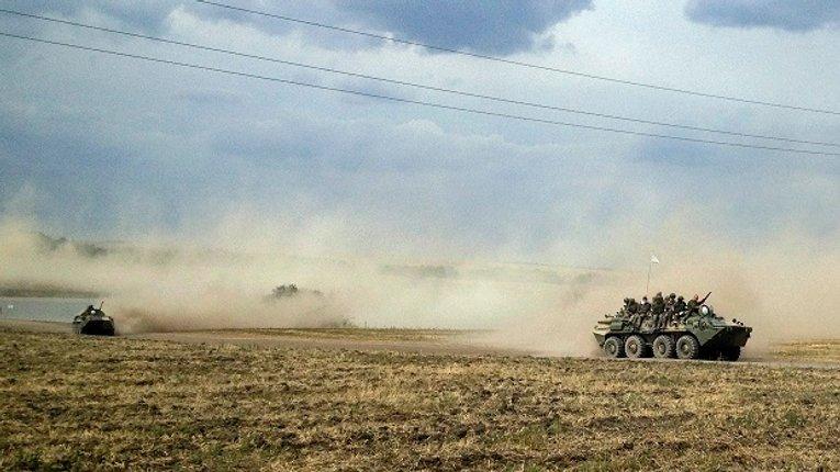 РФ розмістила на материковій частині України біля кордону з Кримом важку техніку