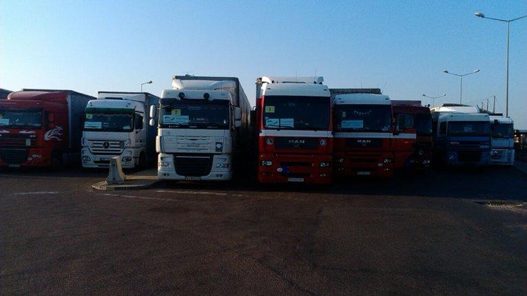 Вантажівки з гуманітарною допомогою від Німеччини уже на території України