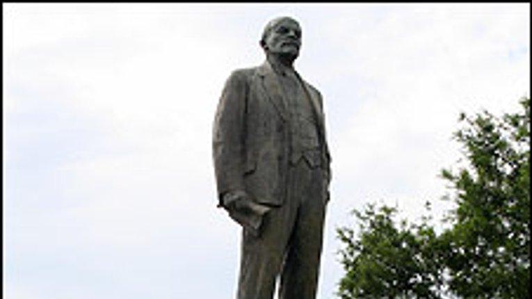 Полтавщина щоденно має зносити по 5 Ленінів щоб встигнути до Дня пам'яті жертв голодомору