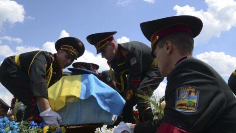 Дніпропетровщина і Київщина несуть найбільші втрати військових