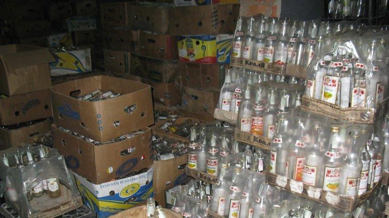 На Полтавщині викрито злочинну групу, котра займалась виготовленням фальсифікованих алкогольних напоїв