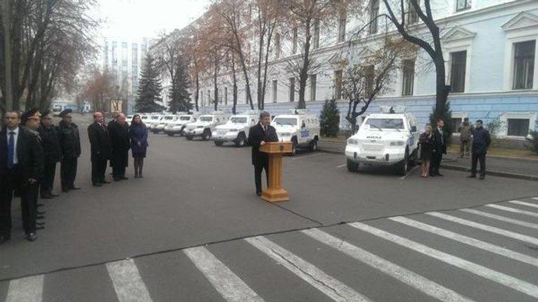 Спецмісія ОБСЄ отримала 10 бронеавтомобілів «Кугуар»