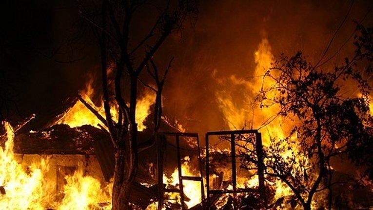 Двоє людей загинули в пожежі у Миргороді
