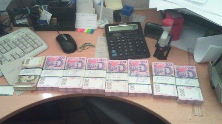 Міліціонери в спайці з банкірами організували в Полтаві конвертаційний центр