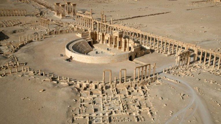 """Бойовики """"Ісламської держави"""" знищили Тріумфальну арку в Пальмірі"""