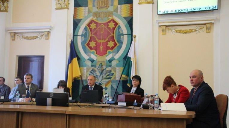 Ганьба: Міськрада не дозволила 38 будинкам переходити в ОСББ