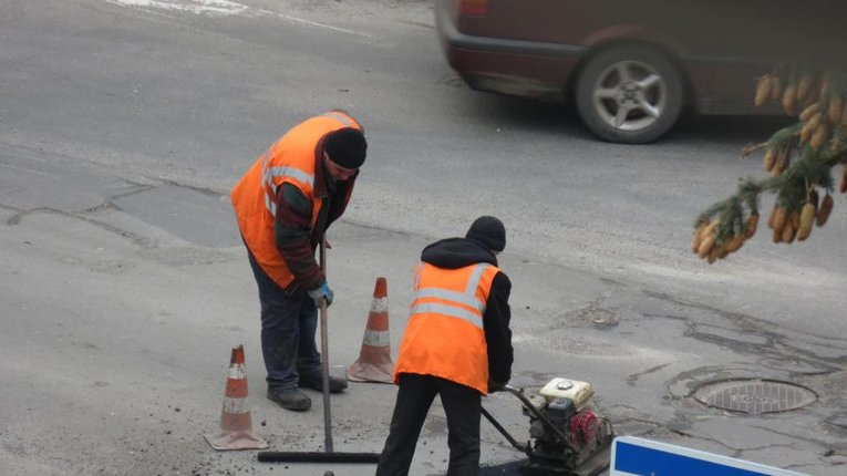 Полтавська міськрада за 90 млн залучила прибирати місто харківську фірму з кримінальним слідом