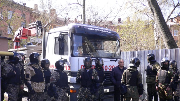 У Полтаві поліція покриває забудовника, який віджимає сусідню територію