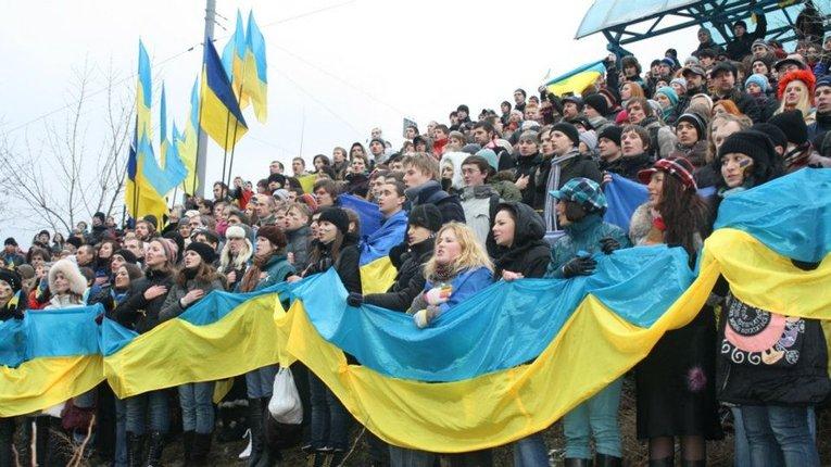 До 90% зросла кількість українців, які вважають себе українцями – опитування