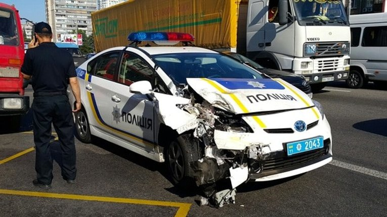 Майже 500 службових авто розбили патрульні за 2 роки