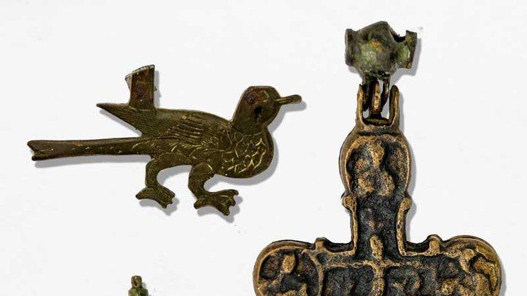 Боєць полку «Азов» передав цінні знахідки Полтавському краєзнавчому музею