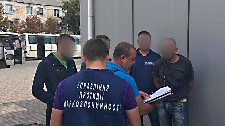 Труїв молодь метадоном і канабісом: у Кременчуці затримали чергового наркоторговця