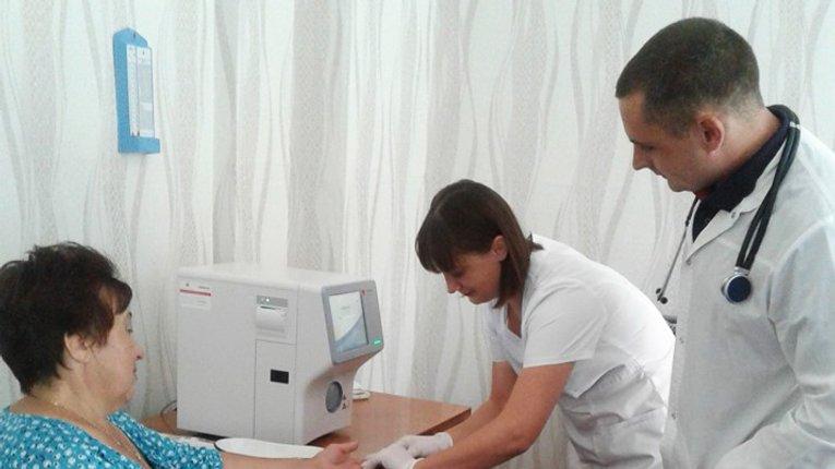 Громада Козельщини має інноваційний пристрій для проведення аналізу крові