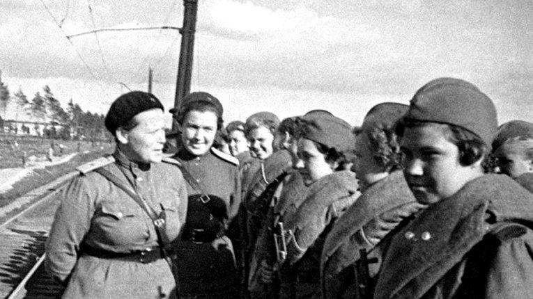 Використання в радянській армії жінок деморалізувало німецьких вояків