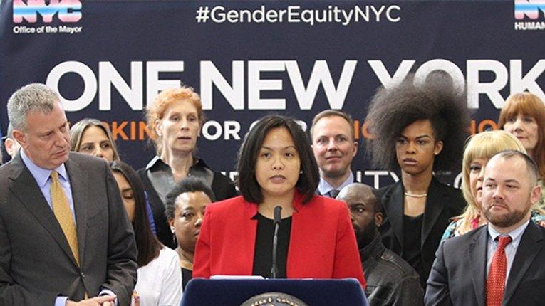 Влада Нью-Йорка «пробила чергове дно»: нелегалів не можна назвати чужинцями
