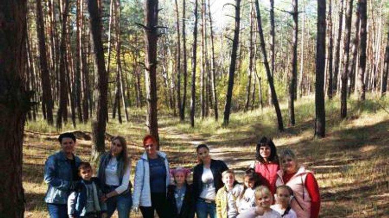 Небайдужі мешканці Кременчука вийшли у ліс на толоку