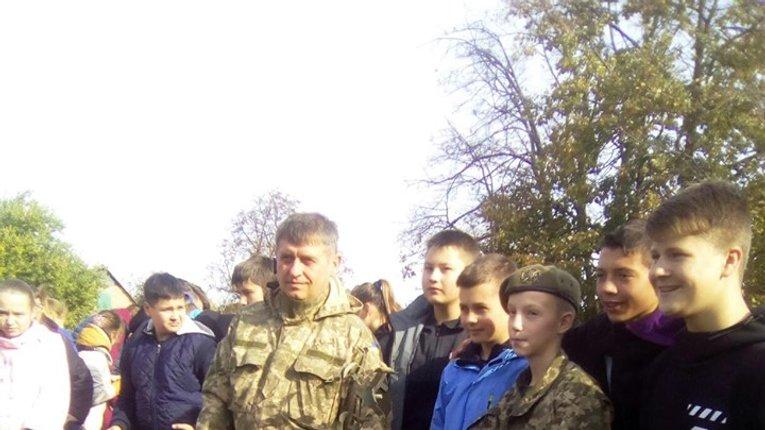 Школярі Семенівського району висадили дерева на знак вдячності захисникам України