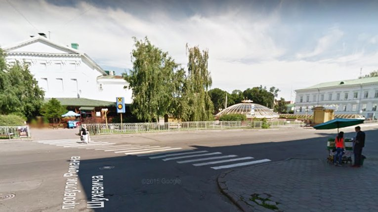 Мешканці пропонують прибрати пішохідний перехід у центрі Полтави