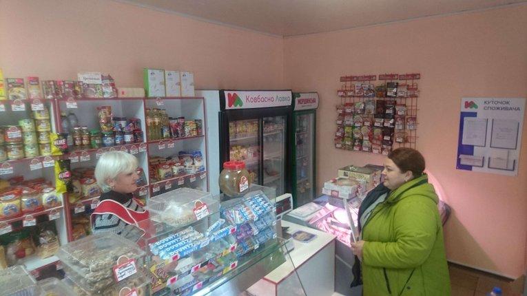 Чиновники проводять інспекцію з дотримання належних умов працівників у Чутівському районі