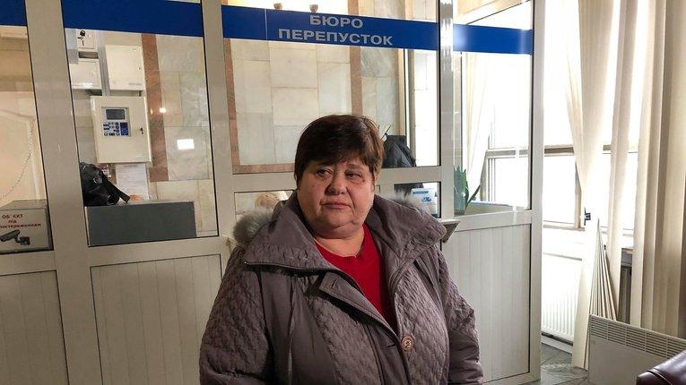 Жінка оголосила голодування під офісом енергетичної компанії у Полтаві