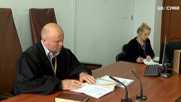 З'ясувалося, що «баночковий» суддя-корупціонер із Сум був активним захисником режиму Януковича