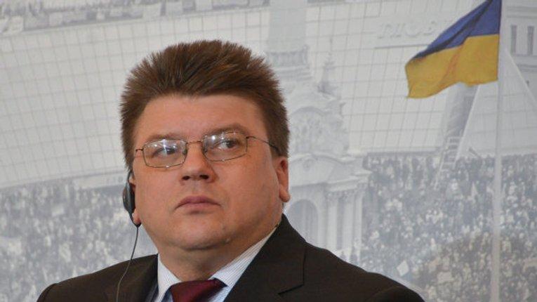 Україну загублять «професійні активісти», що живуть на гранти – блогер