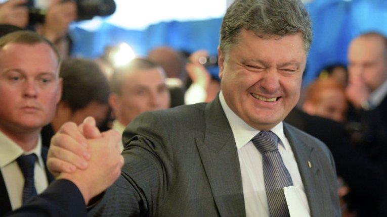 НАЗК не виявив порушень у деклараціях Порошенка