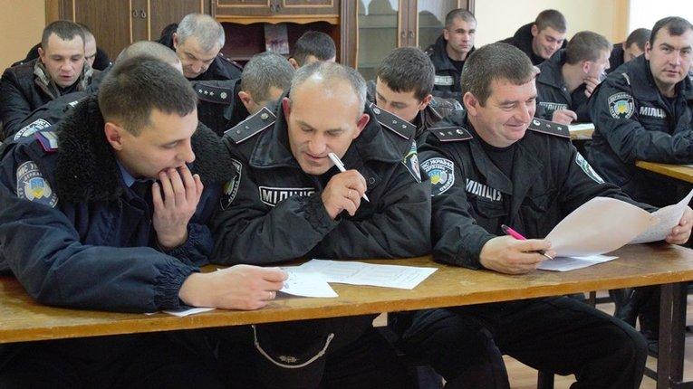 Старі нові поліцейські: дві тисячі поновились через суди