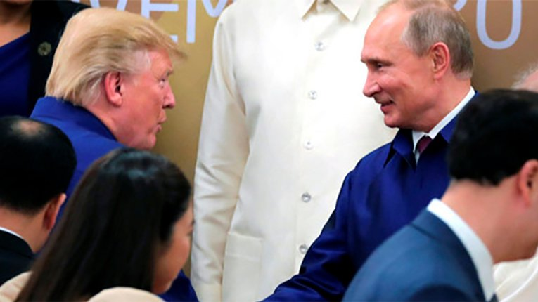 Удар в спину. Трамп проігнорував Путіна на саміті у В'єтнамі