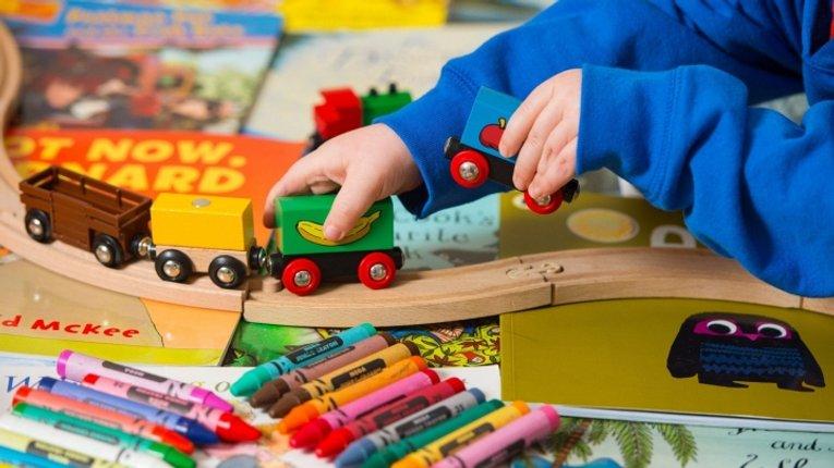 Занадто багато іграшок погано впливає на дітей, – американське дослідження