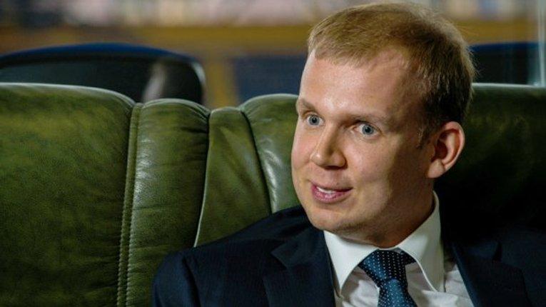Суд арештував майно та акції медіахолдингу Курченка