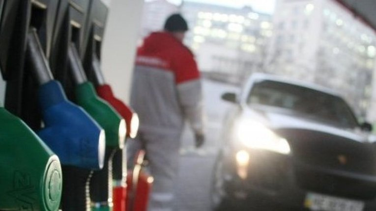 Не только доллар: цены на бензин и продукты готовят удар
