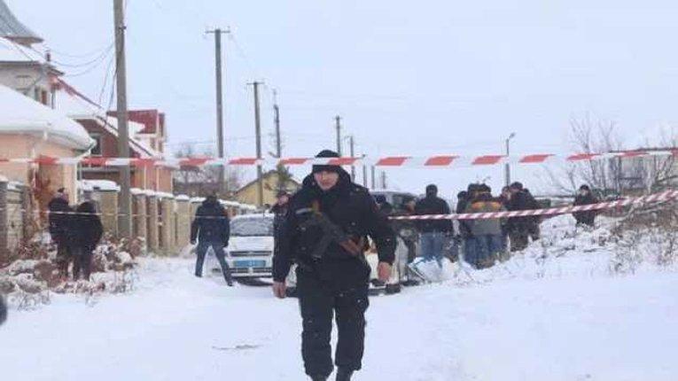Лихие 90-ые: под Киевом шесть банд грабят элитные дома