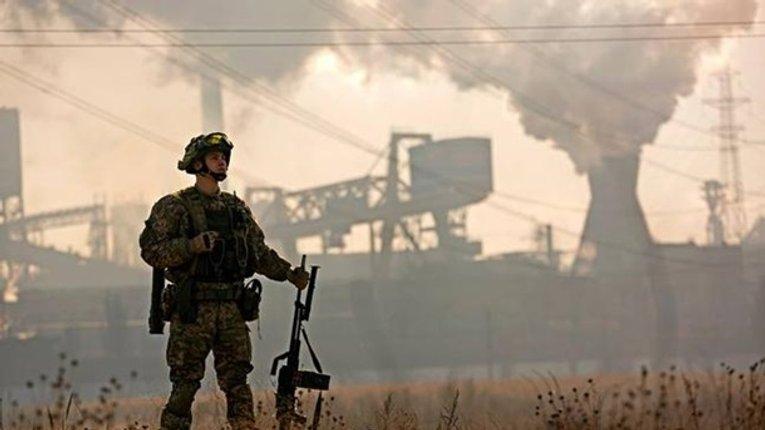 Кінець АТО – початок оборони: що і навіщо змінює закон про Донбас