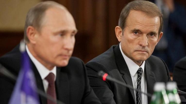 Корчинский заявил, что Медведчук выкупил NEWSONE и собирается приобрести «112» канал и ZIK