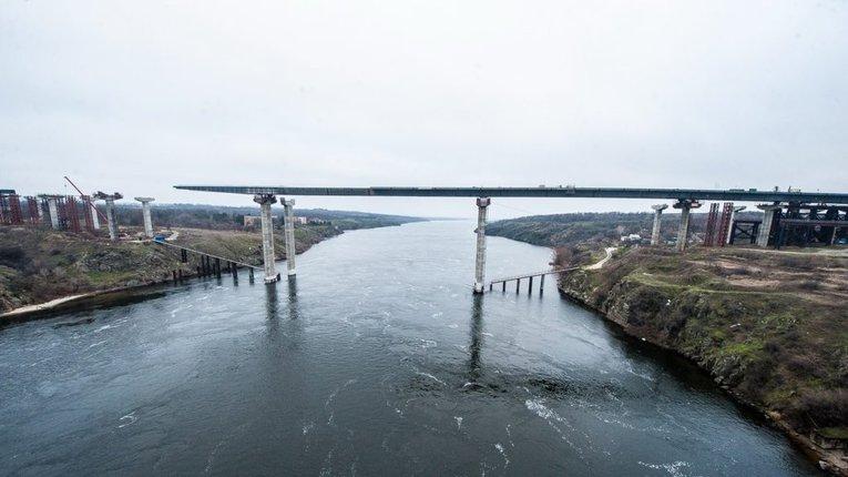 Недобудований міст у Запоріжжі
