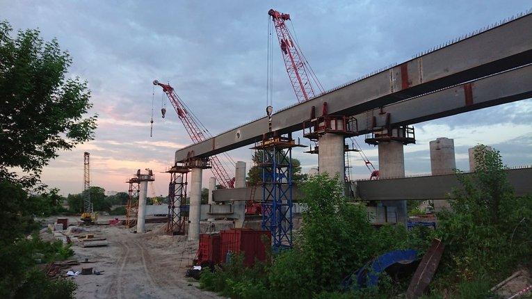 Спорудження мосту через Дніпро