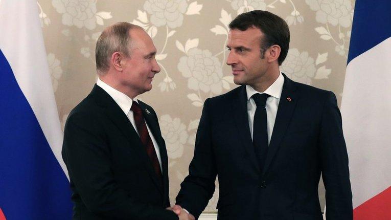 Попри війну на Донбасі, Макрон вважає рішення дружити з Путіним – стратегічним