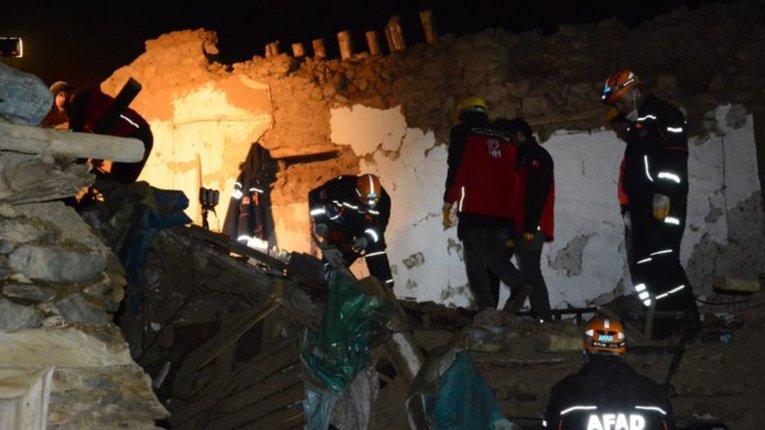 Через землетрус у Туреччині загинули щонайменше 20 осіб