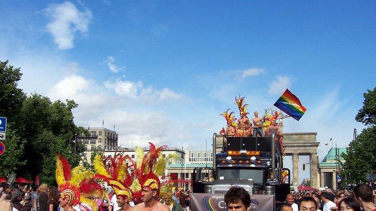 У Швейцарії за критику ЛГБТ будуть кидати за ґрати
