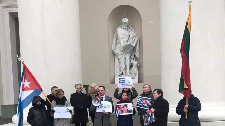 Литовська опозиція проти ратифікації договору щодо нормалізації відносин з Кубою