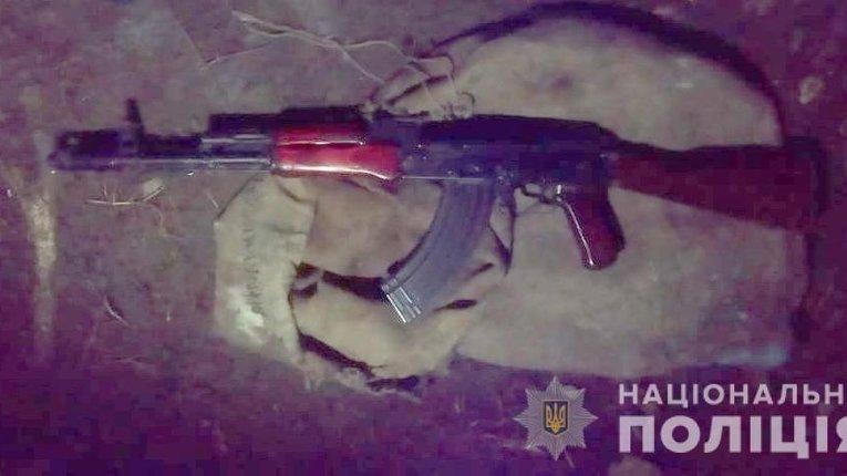 Поліцейські Черкащини затримали чоловіка, який вчинив стрілянину з автомата