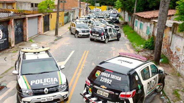 Протести незадоволених співробітників поліції ширяться Бразилією