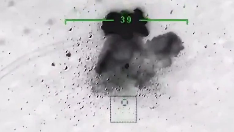 Турецькі дрони успішно знищують російську техніку: ВІДЕО