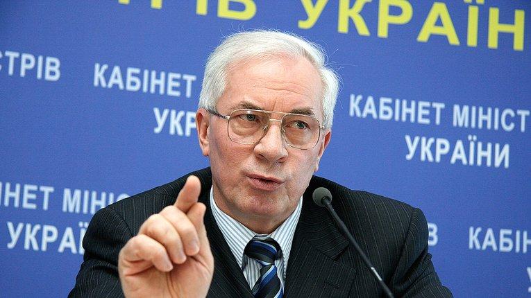 Із Азарова та Ставицького офіційно зняли санкції